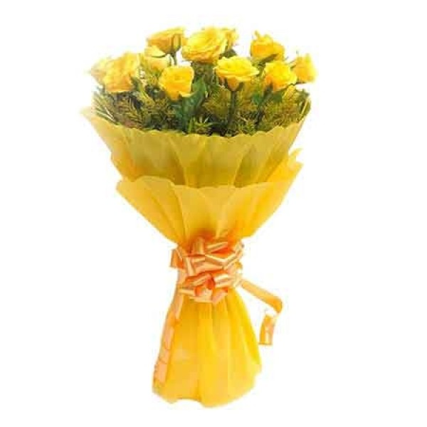10 Yellow Roses In Yellow Paper