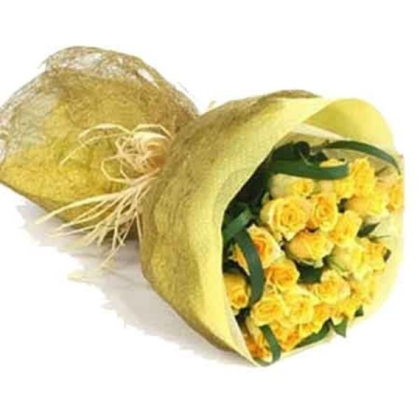 24 Sunny Yellow Roses